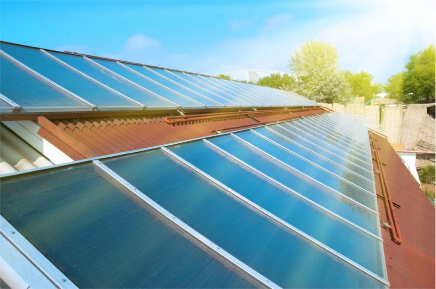Promuoviamo l'energia alternativa attraverso pannelli fotovoltaici che generano corrente elettrica, a servizio acqua calda sanitari civili ed industriali, attraverso l'energia solare. Ciò consente un notevole risparmio energetico.